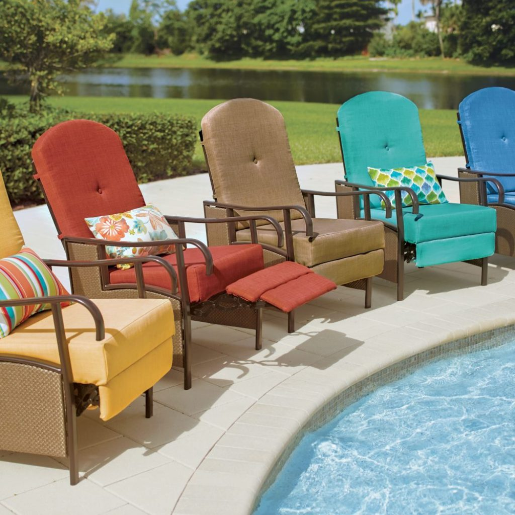 10 Best Outdoor Recliners - Ultimate Relaxation in the Fresh Air!