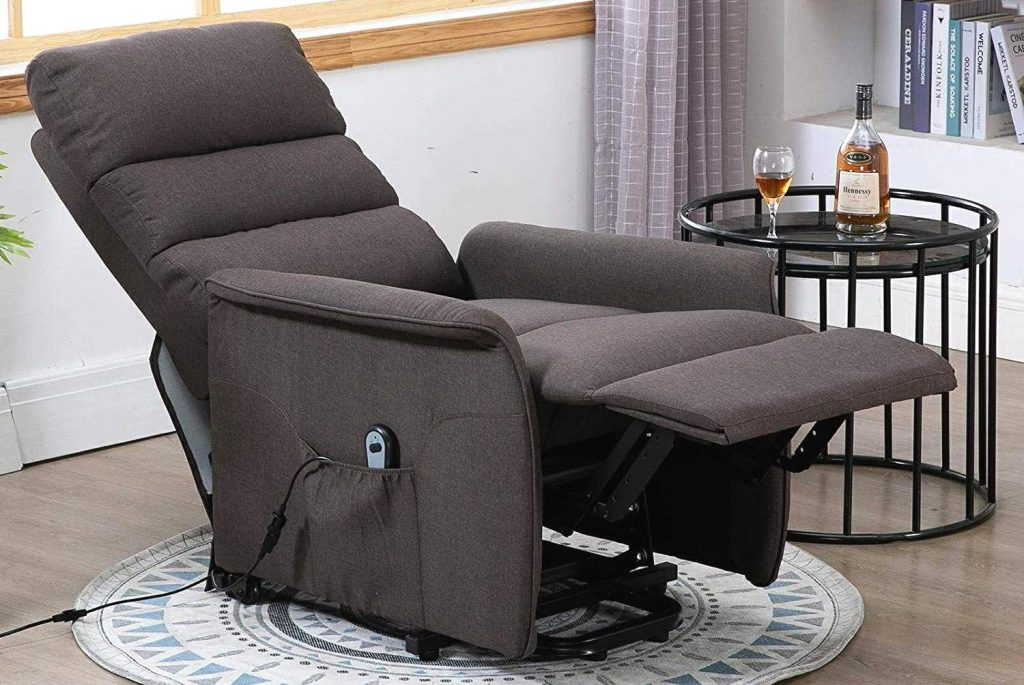 7 Best Recliners for Short People - Design That Cares!
