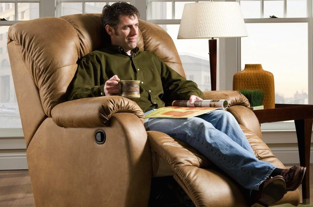8 Most Reliable Heavy-Duty Recliners - Exceptional Durability and Coziness!