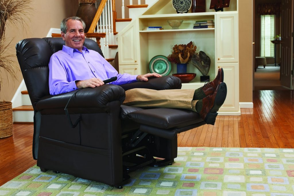 7 Best Lift Recliners for Elderly - Attention to Every Detail!