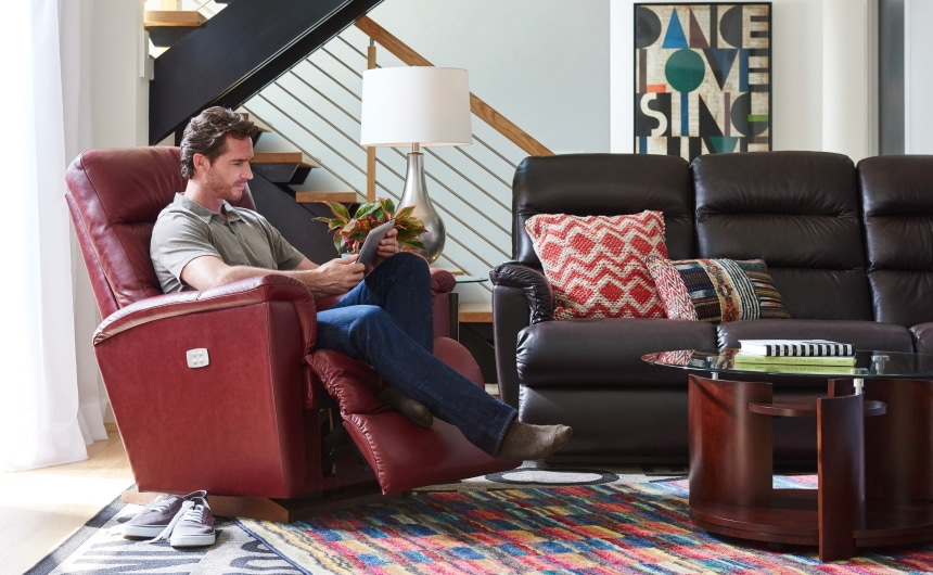 Power Recliners vs. Manual Recliners: What's the Difference?