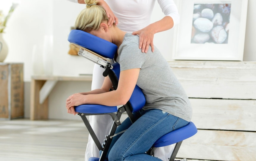 7 Best Portable Massage Chairs for Professionals on the Go