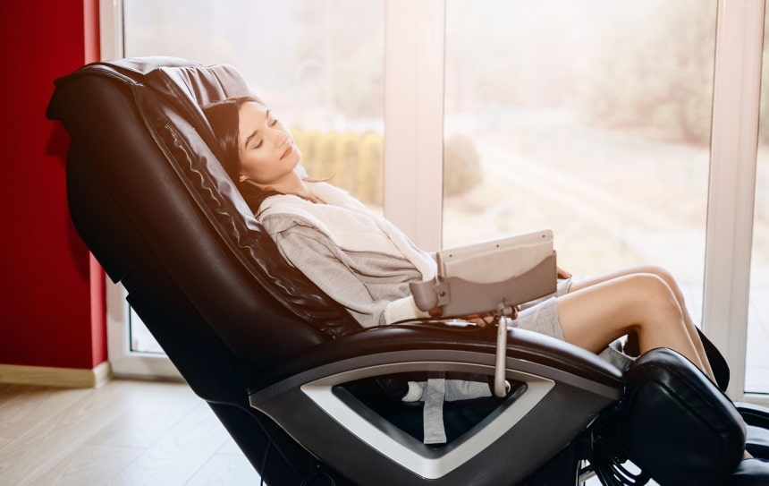 5 Best Massage Chairs for Tall Person - Great Full-Body Relaxation