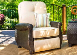 5 Best Lazy Boy Recliners – Your Body Deserves Some Rest!